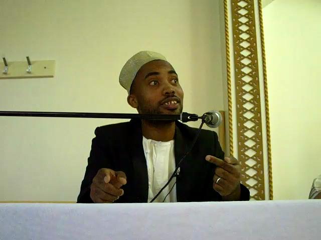 Biographie de Mohamed Bajrafil  vlcsnap2010090501h04m30s21